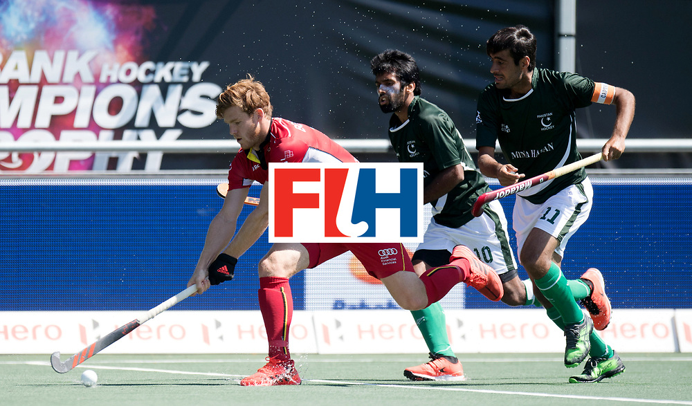 BREDA - Rabobank Hockey Champions Trophy<br /> 5th/6th place Belgium - Pakistan<br /> Photo: Gauthier Boccard and Muhammad Rizwan.<br /> COPYRIGHT WORLDSPORTPICS FRANK UIJLENBROEK