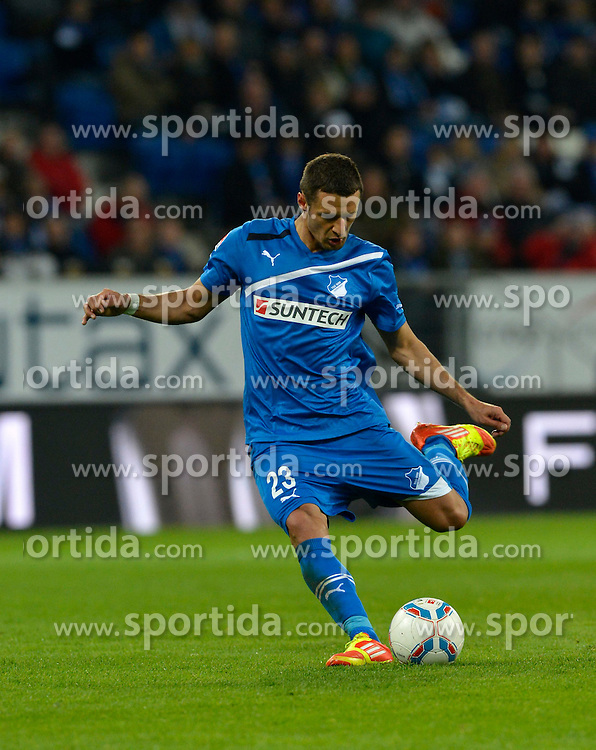 11.04.2012, Wirsol Rhein-Neckar-Arena, Sinsheim, GER, 1. FBL, TSG 1899 Hoffenheim vs Hamburger SV, 30. Spieltag, im Bild Sejad SALIHOVIC TSG 1899 Hoffenheim fvºhrt Freistovü aus Freisteller, Einzelbild, Aktion // during the German Bundesliga Match, 30th Round between TSG 1899 Hoffenheim and Hamburger SV at the Wirsol Rhein Neckar Arena, Sinsheim, Germany on 2012/04/11. EXPA Pictures © 2012, PhotoCredit: EXPA/ Eibner/ Weber..***** ATTENTION - OUT OF GER *****