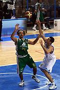 DESCRIZIONE : Cremona Lega A 2010-2011 Vanoli Braga Cremona Montepaschi Siena<br /> GIOCATORE : Shaun Stonerook Blagota Sekulic<br /> SQUADRA : Montepaschi Siena Vanoli Braga Cremona<br /> EVENTO : Campionato Lega A 2010-2011<br /> GARA : Vanoli Braga Cremona Montepaschi Siena<br /> DATA : 17/10/2010<br /> CATEGORIA : Rimbalzo<br /> SPORT : Pallacanestro<br /> AUTORE : Agenzia Ciamillo-Castoria/F.Zovadelli<br /> GALLERIA : Lega Basket A 2010-2011<br /> FOTONOTIZIA : Cremona Campionato Italiano Lega A 2010-11 Vanoli Braga Cremona Montepaschi Siena<br /> PREDEFINITA :