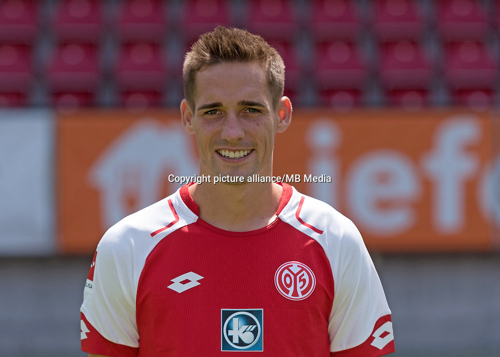 German Bundesliga, offical photocall 1. FSV Mainz 05 for season 2017/18 in Mainz, Germany: Philipp Klement. Foto: Thorsten Wagner/dpa | usage worldwide