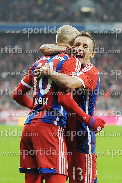 27.02.2015, Allianz Arena, Muenchen, GER, 1. FBL, FC Bayern Muenchen vs 1. FC K&ouml;ln, 23. Runde, im Bild Torjubel von Arjen Robben (FC Bayern Muenchen) und Rafinha (FC Bayern Muenchen) // during the German Bundesliga 23rd round match between FC Bayern Munich and 1. FC K&ouml;ln at the Allianz Arena in Muenchen, Germany on 2015/02/27. EXPA Pictures &copy; 2015, PhotoCredit: EXPA/ Eibner-Pressefoto/ EXPA/ Stuetzle<br /> <br /> *****ATTENTION - OUT of GER*****