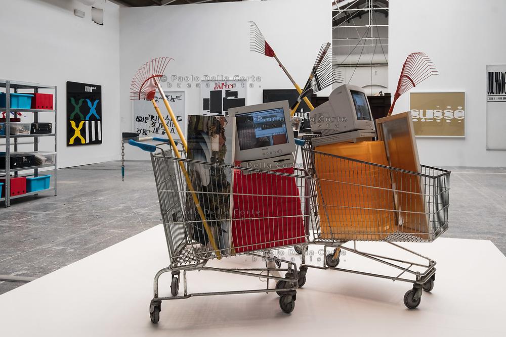 Venezia - 57 Biennale di Arti Visive. Palazzo delle Esposizioni. Raymond Hains. Le Jardinieres du Sud.