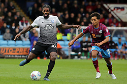 Anthony Grant of Peterborough United passes the ball away from Duane Holmes of Scunthorpe United - Mandatory by-line: Joe Dent/JMP - 21/10/2017 - FOOTBALL - Glanford Park - Scunthorpe, England - Scunthorpe United v Peterborough United - Sky Bet League One