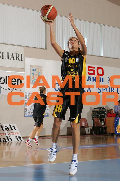 DESCRIZIONE : Cagliari Lega A1 Femminile 2006-07 Prima Giornata San Raffaele Basket Roma Cvz Basket Cavezzo <br /> GIOCATORE : Aleotti <br /> SQUADRA : Cvz Basket Cavezzo <br /> EVENTO : Campionato Lega A1 2006-2007 Prima Giornata San Raffaele Basket Roma Cvz Basket Cavezzo <br /> GARA : San Raffaele Basket Roma Cvz Basket Cavezzo <br /> DATA : 07/10/2006 <br /> CATEGORIA : Tiro <br /> SPORT : Pallacanestro <br /> AUTORE : Agenzia Ciamillo-Castoria/S.Silvestri