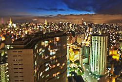"""O Copan é um dos mais importantes e emblemáticos edifícios da cidade de São Paulo, no Brasil. Descrito como tendo """"linhas sinuosas e elegantes"""", foi projetado por Oscar Niemeyer, e localiza-se num dos pontos mais movimentados do centro da capital paulista. Tem 115 metros de altura, 35 andares (incluindo três comerciais), além de dois subsolos, e cerca de dois mil residentes. É considerada a maior estrutura de concreto armado do Brasil. Possui 1.160 apartamentos distribuídos em seis blocos, sendo considerado o maior edifício residencial da América Latina. FOTO: Jefferson Bernardes/Preview.com"""