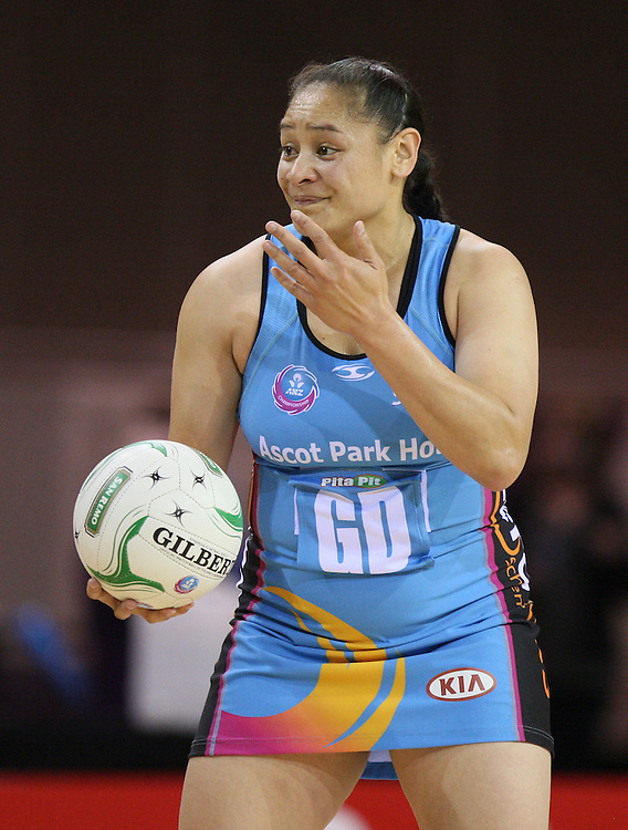 Southern Steel's Sheryl Scanlan against the Magic in the ANZ Netball Championships at Invercargill Velodrome, Invercargill, New Zealand, Monday, April 02, 2012. Credit:SNPA / Dianne Manson