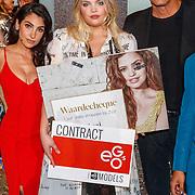 NLD/Amsterdam/20180416 - Finale 1e Curvy Supermodel 2018, Plussize model Danielle van Grondelle, winnares Isadee Jansen en presentatrice Anna Nooshin, Nigel Barker en JeanPaul Paula