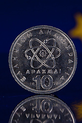 28.01.2012, THEMENBILD PAKET, GER, Griechische Drachmen, Euro Krise, im Bild Griechische Drachme vor der Europa-Flappe. EXPA Pictures © 2012, PhotoCredit: EXPA/ Eibner/ Ralf Noehmer ATTENTION - OUT OF GER *****