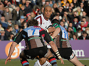 Twickenham, GREAT BRITAIN, left, Quins,  Will SKINNER and Andy GOMERSALL move in to tackle Tiger Tom VANNDELL, during the Guinness Premiership Game, Harlequins [Quins] vs Leicester Tigers, at the Twickenham Stoop 06/01/2008 [Mandatory credit Peter Spurrier/ Intersport Images].