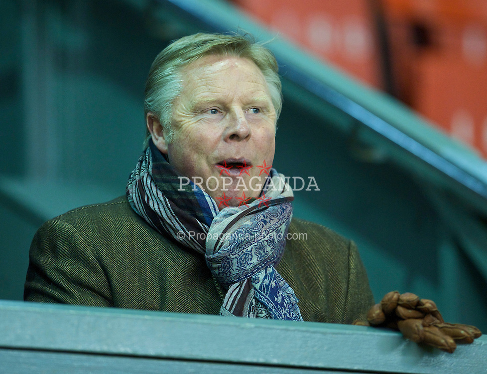 LIVERPOOL, ENGLAND - Monday, February 8, 2010: Liverpool's assistant manager Sammy Lee during the FA Youth Cup 5th Round match against Watford at Anfield. (Pic by David Rawcliffe/Propaganda)