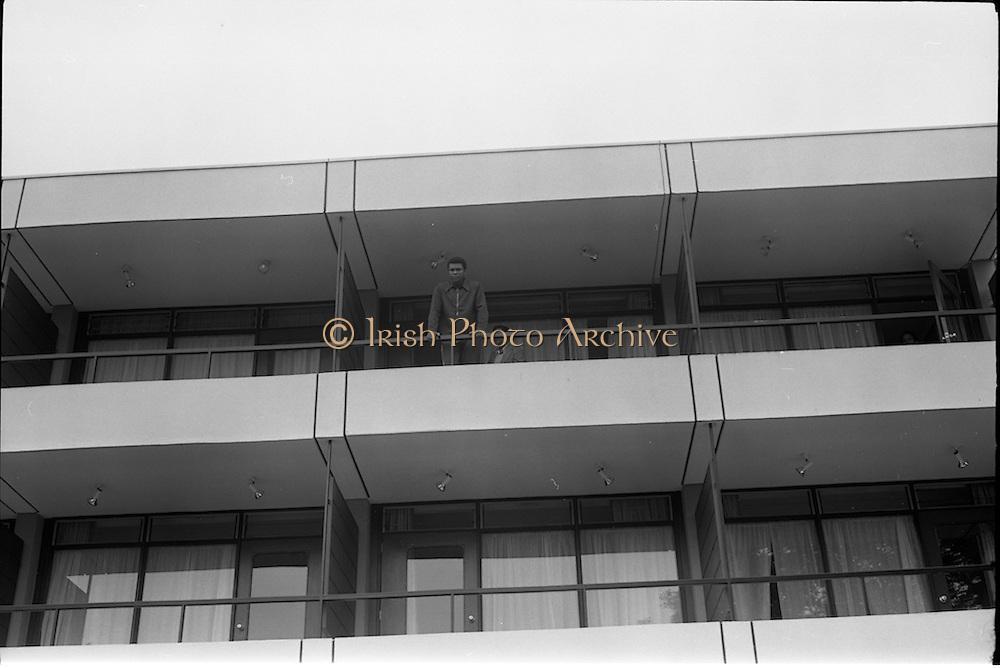 14/07/1972<br /> 07/14/1972<br /> 14 July 1972<br /> Muhammad Ali at Oppermans Country Club Hotel, Kilternan, Co Dublin. Muhammad Ali on the balcony of his room.