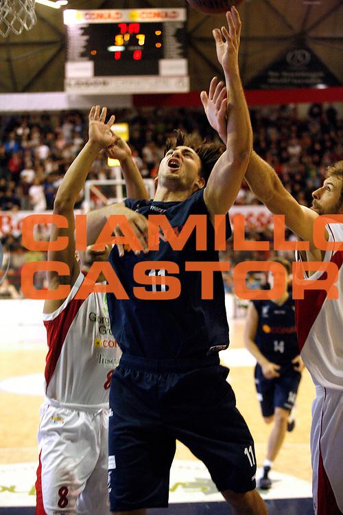 DESCRIZIONE : Pistoia Lega A2 2011-12 Giorgio Tesi Group Pistoia Conad Fortitudo Nologna<br /> GIOCATORE : Baldassarre Patrick <br /> SQUADRA : Conad Fortitudo Nologna<br /> EVENTO : Campionato Lega A2 2011-2012<br /> GARA : Giorgio Tesi Group Pistoia Conad Fortitudo Nologna<br /> DATA : 23/10/2011<br /> CATEGORIA : Tiro<br /> SPORT : Pallacanestro<br /> AUTORE : Agenzia Ciamillo-Castoria/Stefano D'Errico<br /> Galleria : Lega Basket A2 2011-2012 <br /> Fotonotizia : Pistoia Lega A2 2011-2012 Giorgio Tesi Group Pistoia Conad Fortitudo Nologna<br /> Predefinita :