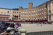 Italy, Siena, the Palio: the waiting in the Piazza del Campo