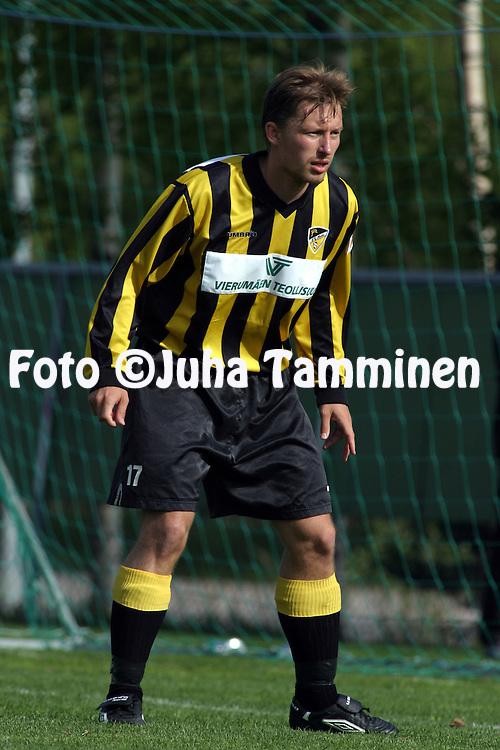 29.05.2003, Tapiolan Urheilukeskus, Espoo, Finland..I Divisioona / Finnish 1st Division.FC Honka v Rovaniemen Palloseura.Timo-Jaakko Messala - Honka.©Juha Tamminen