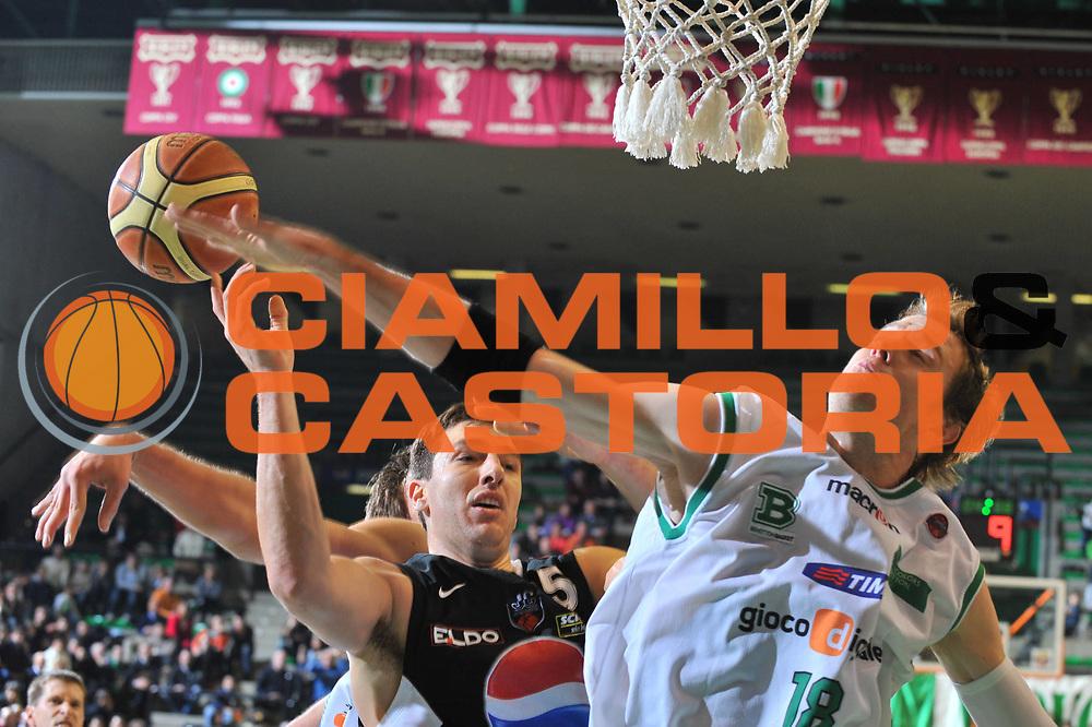DESCRIZIONE : Treviso Lega A 2009-10 Basket Benetton Treviso Pepsi Caserta<br /> GIOCATORE : Charles Wallace<br /> SQUADRA : Benetton Treviso<br /> EVENTO : Campionato Lega A 2009-2010<br /> GARA : Benetton Treviso Pepsi Caserta<br /> DATA : 13/12/2009<br /> CATEGORIA : Stoppata<br /> SPORT : Pallacanestro<br /> AUTORE : Agenzia Ciamillo-Castoria/M.Gregolin<br /> Galleria : Lega Basket A 2009-2010 <br /> Fotonotizia : Treviso Campionato Italiano Lega A 2009-2010 Benetton Treviso Pepsi Caserta<br /> Predefinita :