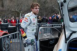 17.01.2014, Reifen Service, Sisteron, FRA, FIA, WRC, Monte Carlo, 2. Tag, im Bild MIKKELSEN Andreas ( VOLKSWAGEN MOTORSPORT II (DEU) / VOLKSWAGEN POLO R ) wechselt die Reifen an seinem Fahrzeug during day two of FIA Rallye Monte Carlo held near Monte Carlo, France on 2014/01/17. EXPA Pictures © 2014, PhotoCredit: EXPA/ Eibner-Pressefoto/ Neis<br /> <br /> *****ATTENTION - OUT of GER*****