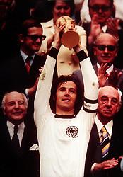 FRANZ BECKENBAUER.TROPHY. WORLD CUP FINAL 1974.SOCCER WORLD CUP.1974