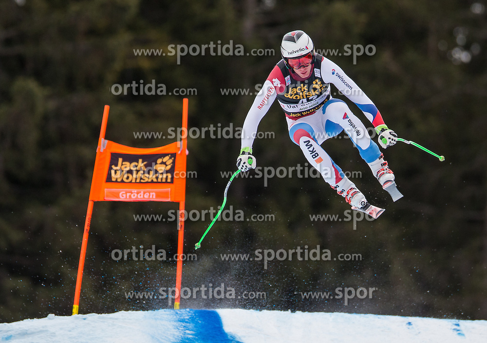 16.12.2015, Saslong, Groeden, ITA, FIS Ski Weltcup, Herren, Abfahrt, 1. Training, im Bild Marc Gisin (SUI) // Marc Gisin of Switzerland in action 1st downhill practice of the Groeden FIS Ski Alpine World Cup at the Saslong Course in Gardena, Italy on 2015/12/16. EXPA Pictures © 2015, PhotoCredit: EXPA/ Johann Groder