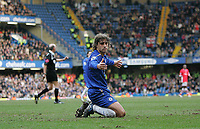 Photo: Lee Earle.<br /> Chelsea v Charlton Athletic. The Barclays Premiership. 22/01/2006. Chelsea's Hernan Crespo looks dejected as they can only manage a draw.