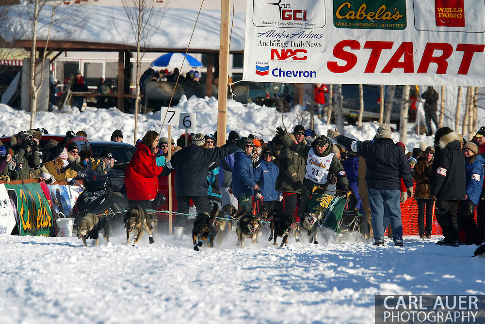 3/4/2007:  Willow, Alaska -  4 time Iditarod Champion and 2006 winner Veteran Jeff King of Denali, AK heads out for Nome in what he hopes will be his 5th win at the 35th Iditarod Sled Dog Race