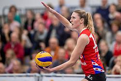 10-12-2016 NED: VC Sneek - Sliedrecht Sport, Sneek<br /> Sneek wint met 3-0 van Sliedrecht Sport / Quinta Steenbergen #14
