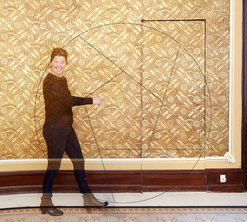 Brønnums Hus, Kgs, Nytorv, København, japanske guldtapeter restaureres og konserveres efter research af Anne Simonsen i Japan, Københavns Konservatorer