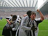 Photo: Andrew Unwin.<br /> Middlesbrough v Everton. The Barclays Premiership. 29/04/2006.<br /> Newcastle celebrate Titus Bramble's goal.