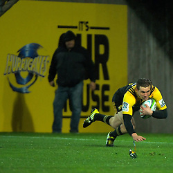 Jason Woodward scores during the Super Rugby quarterfinal match between the Hurricanes and Sharks at Westpac Stadium, Wellington, New Zealand on Saturday, 23 July 2016. Photo: Dave Lintott / lintottphoto.co.nz