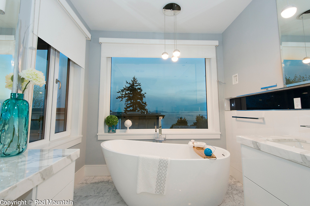 New listing for home in White Rock, British Columbia. Photo: © Rod Mountain