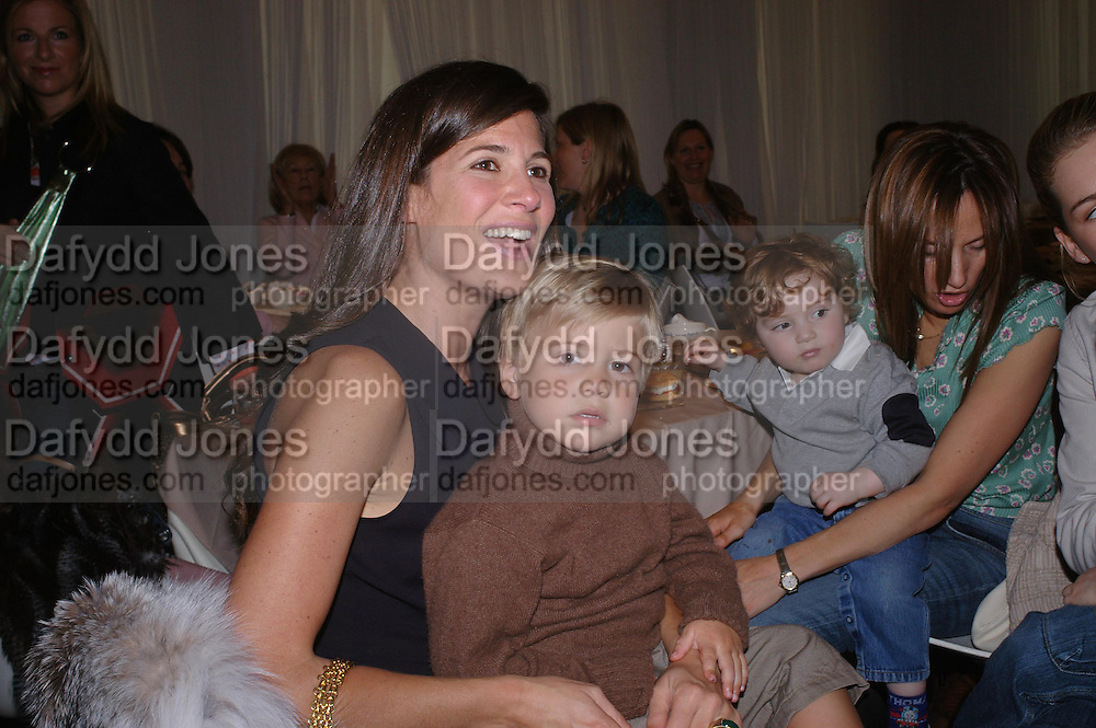 Elizabeth Saltzman and her son Charlie. Launch of 'Lucy  Sykes Baby, New York' Selfridges. 14 April 2005. ONE TIME USE ONLY - DO NOT ARCHIVE  © Copyright Photograph by Dafydd Jones 66 Stockwell Park Rd. London SW9 0DA Tel 020 7733 0108 www.dafjones.com