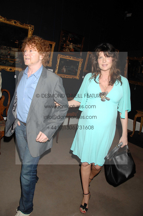 Musician MICK HUCKNALL and GABRIELLA WILKE-WESBERRY at the Sotheby's Summer Party 2007 at their showrooms in New Bond Street, London on 4th June 2007.<br /><br />NON EXCLUSIVE - WORLD RIGHTS