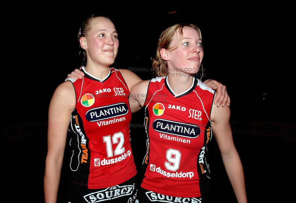 20-01-2006 VOLLEYBAL: TOPTEAMSCUP PLANTINA LONGA - VOLERO ZURICH: LICHTENVOORDE<br /> De bizarre barrage tegen Vol&eacute;ro Zurich, die nodig was omdat de ploegen na twee ontmoetingen prefect in balans waren, werd vrijdagavond met 3-2 gewonnen / Kitty Sanders<br /> &copy;2006-WWW.FOTOHOOGENDOORN.NL