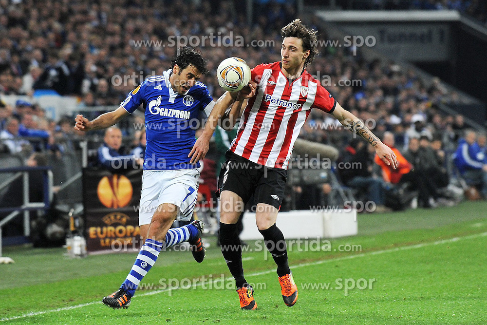 29.03.2012, Veltins Arena, Gelsenkirchen, GER, UEFA EL, Viertelfinal-Hinspiel, FC Schalke 04 (GER) vs Athletic Club Bilbao (ESP), im Bild Raul ( links Schalke 04 ) im Zweikampf mit Fernando Amorebieta ( rechts Athletic Club Bilbao/ Action/ Aktion ) // during the UEFA Europa League, Quarter-final first leg Match between FC Schalke 04 (GER) and Athletic Club Bilbao (ESP) at the Veltins Arena, Gelsenkirchen, Germany on 2012/03/29. EXPA Pictures © 2012, PhotoCredit: EXPA/ Eibner/ Thomas Thienel..***** ATTENTION - OUT OF GER *****
