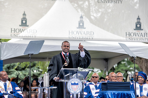 Kasim Reed speaking onstage at Commencement.