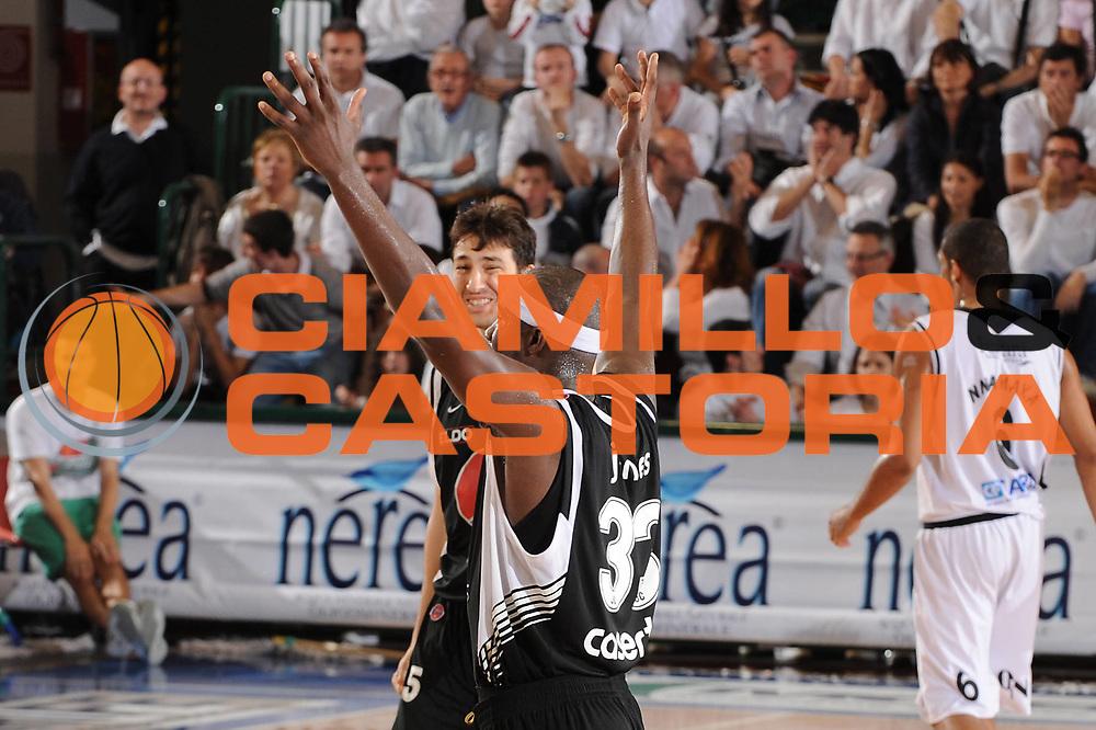 DESCRIZIONE : Ferrara Lega A 2009-10 Carife Ferrara Pepsi Caserta<br /> GIOCATORE : Jumaine Jones Andrea Michelori<br /> SQUADRA : Pepsi Caserta<br /> EVENTO : Campionato Lega A 2009-2010<br /> GARA : Carife Ferrara Pepsi Caserta<br /> DATA : 08/05/2010<br /> CATEGORIA : esultanza<br /> SPORT : Pallacanestro<br /> AUTORE : Agenzia Ciamillo-Castoria/M.Marchi<br /> Galleria : Lega Basket A 2009-2010 <br /> Fotonotizia : Ferrara Campionato Italiano Lega A 2009-2010 Carife Ferrara Pepsi Caserta<br /> Predefinita :