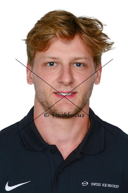 30.07.2015; Kloten; Eishockey - Team Schweiz;<br /> Photoshooting Schluefweg;<br /> Simon Bodenmann <br /> (Andy Mueller/freshfocus)