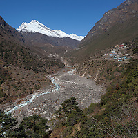 Walking between Namche Bazar and Samde, with views over the Bothe Koshi Valley and Thamo village on the right side.