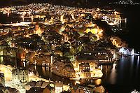 &Aring;lesund 20041123. Nattbilde av jugendbyen &Aring;lesund tatt p&aring; Fjellstua. Byen er internasjonalt kjent for sin jugendstil.<br /> <br /> Photo of Aalesund by night. Aalesund is famous for it's beautiful Art Nouveau architecture. <br /> <br /> Foto: Svein Ove Ekornesv&aring;g