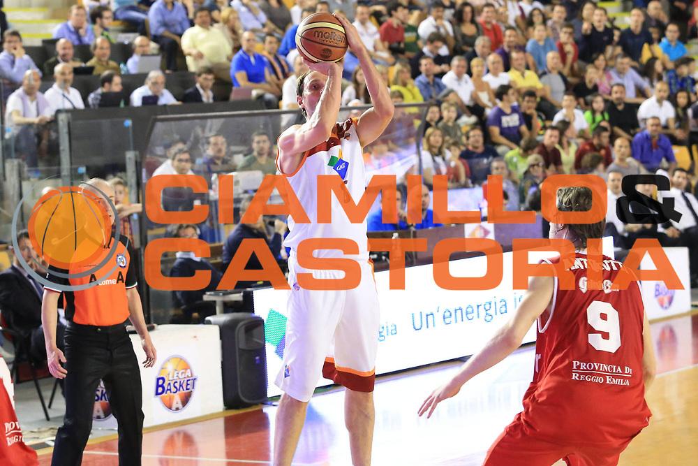 DESCRIZIONE : Roma Lega A 2012-2013 Acea Roma Trenkwalder Reggio Emilia playoff quarti di finale gara 2<br /> GIOCATORE : Alessandro Tonolli<br /> CATEGORIA : tiro<br /> SQUADRA : Acea Roma<br /> EVENTO : Campionato Lega A 2012-2013 playoff quarti di finale gara 2<br /> GARA : Acea Roma Trenkwalder Reggio Emilia<br /> DATA : 11/05/2013<br /> SPORT : Pallacanestro <br /> AUTORE : Agenzia Ciamillo-Castoria/M.Simoni<br /> Galleria : Lega Basket A 2012-2013  <br /> Fotonotizia : Roma Lega A 2012-2013 Acea Roma Trenkwalder Reggio Emilia playoff quarti di finale gara 2<br /> Predefinita :