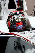 26.09.2008 Singapore City, Singapore, .Robert Kubica (POL), BMW Sauber F1 Team use a small light fixed on his helemet - Formula 1 World Championship, Rd 15, Singapore Grand Prix, Friday Practice.FOT. XPB.CC / WROFOTO.*** POLAND ONLY !!! ***.*** NO INTERNET / MOBILE USAGE !!! ***