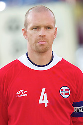 OSLO, NORWAY - Wednesday, September 5, 2001: Norway's Henning Berg during the FIFA World Cup 2002 Qualifying Group 5 match against Wales at the Ullevaal Stadion. (Pic by David Rawcliffe/Propaganda)