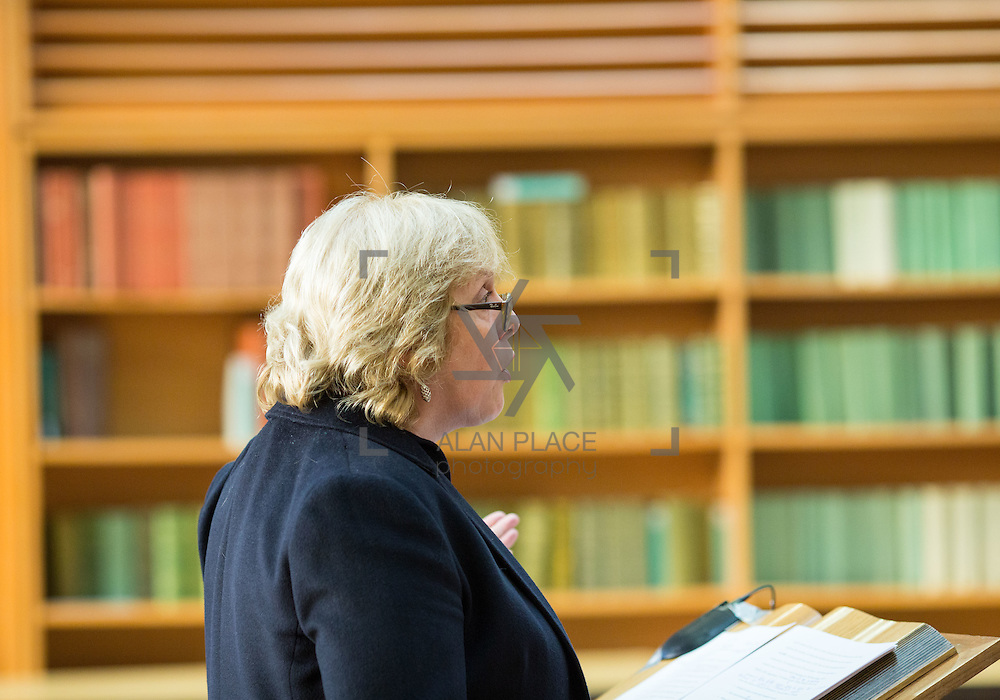 14.10.2016                 <br /> A new research centre focussing on Irish and European history and culture was launched in Limerick.<br /> <br /> Delivering her lecture was Prof. Jane Ohlmeyer, Erasmus Smith&rsquo;s Chair of Modern History, Trinity College Dublin, Director of the Trinity Long Room Hub, and Chair of the Irish Research Council.<br /> <br /> The Centre for Early Modern Studies brings together experts from University of Limerick and Mary Immaculate College to further the study of the history and culture of the 16th, 17th and 18th centuries. <br /> <br /> The Centre for Early Modern Studies was launched  with an inaugural lecture by Professor Jane Ohlmeyer, Erasmus Smith&rsquo;s Chair of Modern History, Trinity College Dublin, Director of the Trinity Long Room Hub, and Chair of the Irish Research Council. Professor Ohlmeyer spoke on the topic of &lsquo;Early Modern Ireland and the Wider World&rsquo;.<br /> Picture: Alan Place