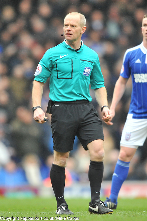 JONAS KNUDSEN IPSWICH TOWN, ANDY WOOLMER REFEREE, Ipswich Town v Nottingham Forest, Sky Bet Championship, Portman Road Stadium, Saturday 5th March 2016.