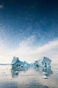 Icebergs and Austfonnaglacier along the coast of Nordaustlandet