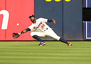 ATLANTA, GA - SEPTEMBER 15:  Right fielder Jason Heyward #22 of the Atlanta Braves misjudges a fly ball during the game against the Washington Nationals at Turner Field on September 15, 2012 in Atlanta, Georgia.  (Photo by Mike Zarrilli/Getty Images)