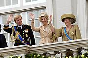 Prinsjesdag 2007 in The Hague. <br /> <br /> On the Photo: Maxima en Willem Alexander Queen Beatrix at the &quot;balcony Scene&quot;