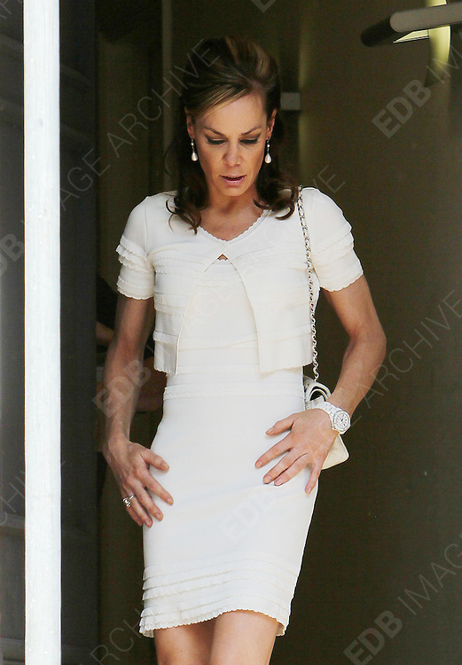28.APRIL.2011. LONDON<br /> <br /> TARA PALMER-TOMKINSON LEAVING HER LONDON HOME.<br /> <br /> BYLINE: EDBIMAGEARCHIVE.COM<br /> <br /> *THIS IMAGE IS STRICTLY FOR UK NEWSPAPERS AND MAGAZINES ONLY*<br /> *FOR WORLD WIDE SALES AND WEB USE PLEASE CONTACT EDBIMAGEARCHIVE - 0208 954 5968*