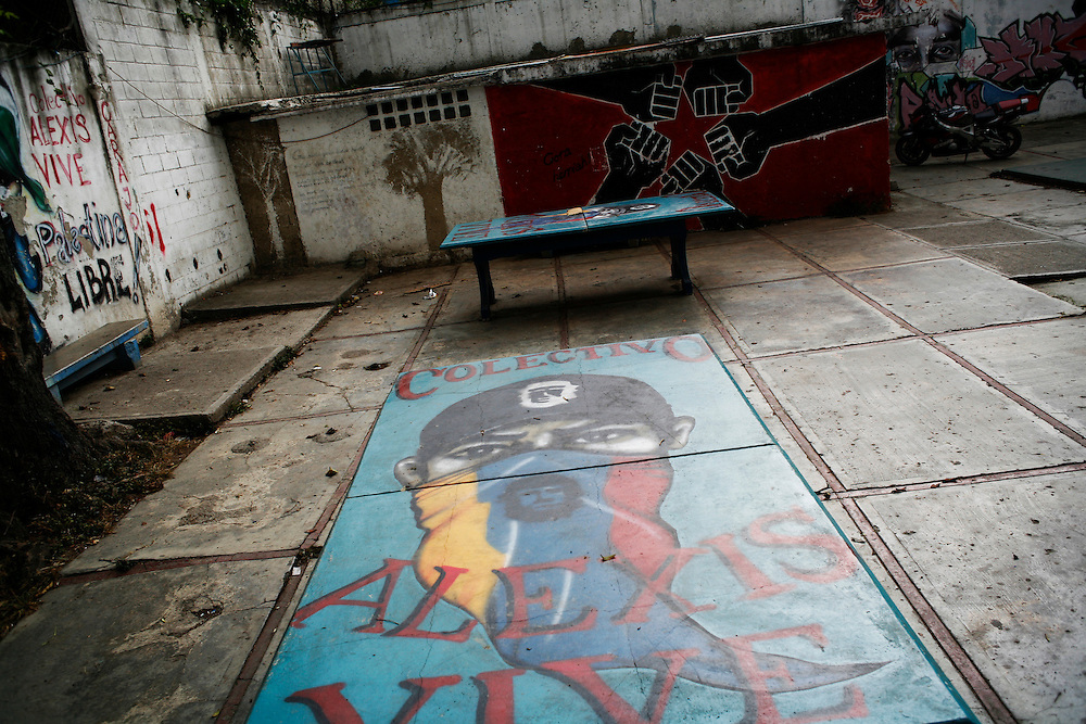 A ping-pong table provided by Alexis Vive in the 23 de Enero barrio.