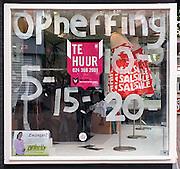 Nederland, Nijmegen, 11-11-2013In de binnenstad van Nijmegen komen steeds meer winkels leeg te staan. Dit is een winkel in babykleding. Winkeliers in de binnenstad, binnensteden, hebben naast de crisis ook veel last van verkoop van producten via internet.Foto: Flip Franssen/Hollandse Hoogte