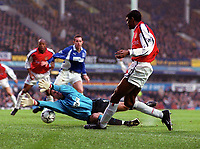 Kanu (Arsenal) is foiled by Everton Goalkeeper Paul Gerrard. Everton v Arsenal. 18/11/2000.FA Premiership. Credit: Andrew Cowie / Colorsport.